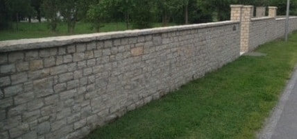 Recinzione in muratura with recinzioni in muratura per ville for Recinzioni in muratura per ville