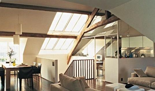 Come rivestire il soffitto con le perline in legno - Arredare sottotetto non abitabile ...