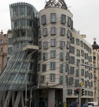 Palazzo con architettura molto strana