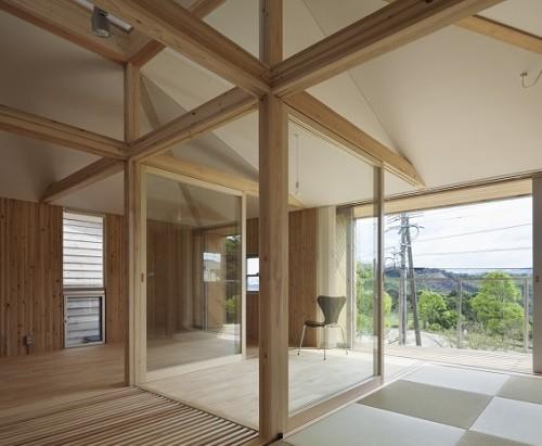 Interno di casa in legno in costruzione