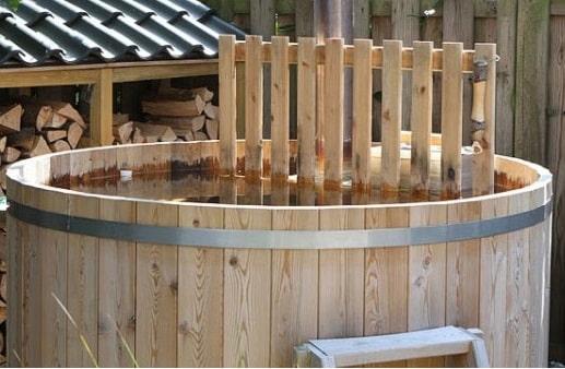 Vasca esterna in legno, come funziona?
