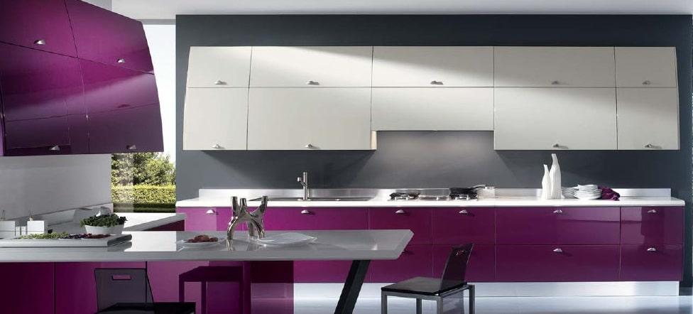 La cucina moderna, lineare ed elegante