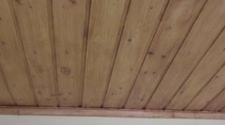 Come rivestire il soffitto con le perline in legno