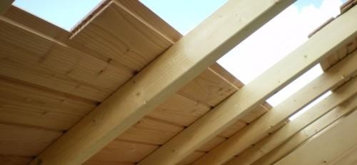 Tetto in legno in fase di realizzazione