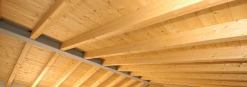 Tetto in legno lamellare realizzato
