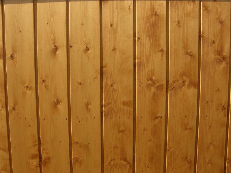 Come rivestire il soffitto con le perline in legno?