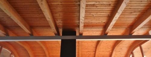 Bellissima realizzazione di tetto in legno
