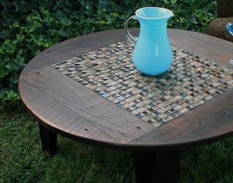 Come decorare un tavolo con le piastrelle
