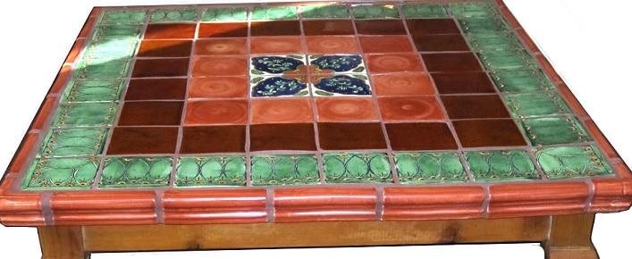 Come decorare un tavolo con le piastrelle Mosaico Come realizzare una ...