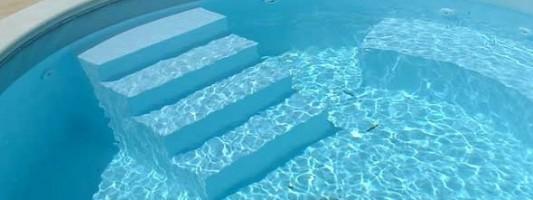 Come pulire la piscina