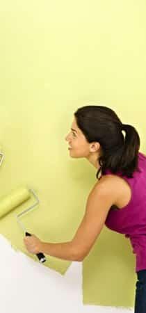Pitturare casa con tinteggiatura gialla
