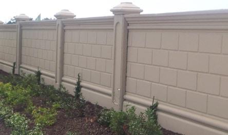 Come costruire un muretto di recinzione