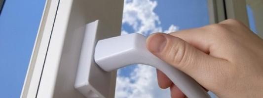 Eliminare gli spifferi nelle finestre