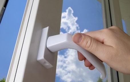 Come eliminare gli spifferi nelle finestre