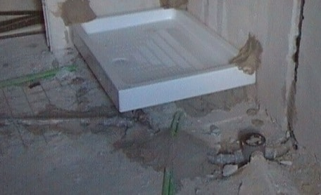 Piatto doccia in sostituzione durante allaccio di Impianto idraulico del bagno