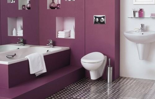 Bagno ristrutturato e realizzato color viola