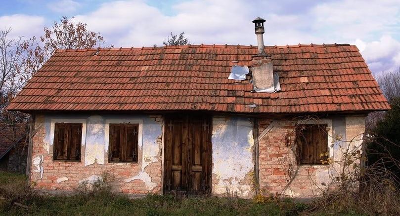 casa antica da ristrutturare