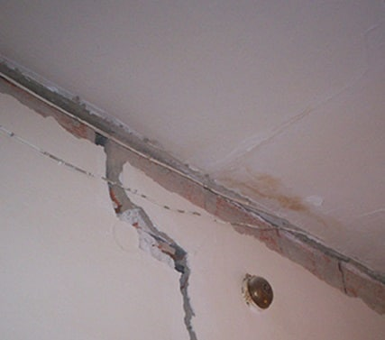 Crepe su muro su casa da comprare