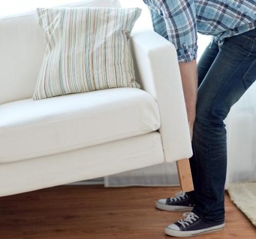 Lavoro di ristrutturazione casa da solo e spostamento mobili
