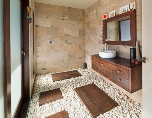 bagno in pietra