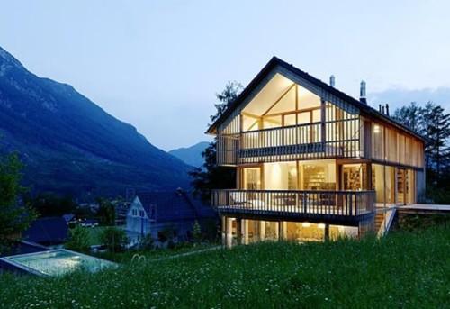 Foto di casa costruita con sistemi antisismici