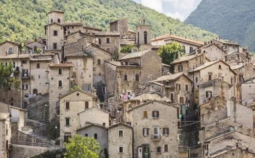 Foto di casa in zona sismica