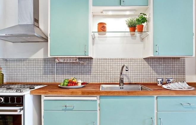 contraddistinta da un forte impatto visivo la credenza nella cucina vintage deve occupare un posto dove possa essere oltre che esteticamente importante