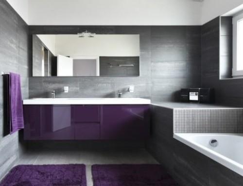 idea bagno in stile moderno con color viola