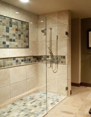 Come trasformare la vasca da bagno in doccia blog edilnet - Come rivestire il bagno ...
