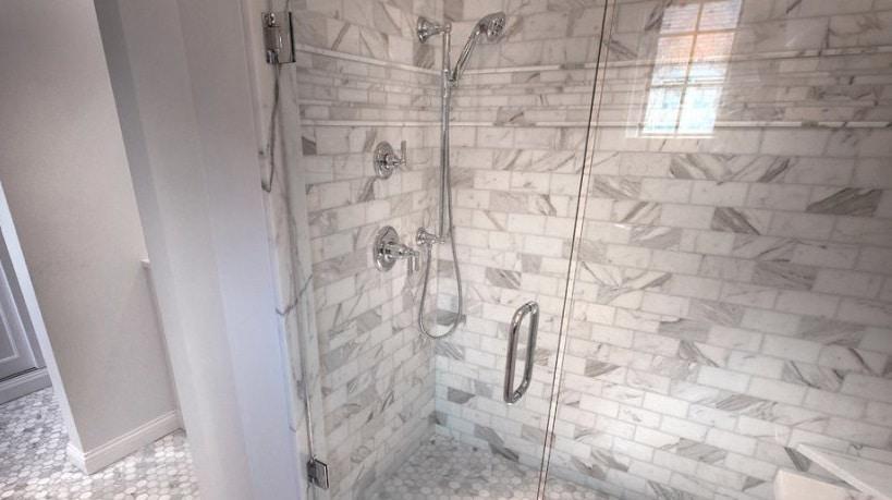 come trasformare una vasca da bagno in doccia