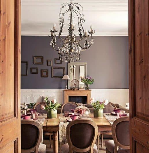 Pareti color antracite in una casa ristrutturata ai Parioli, a Roma.