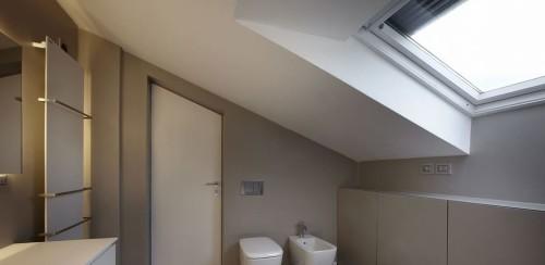 Altro bagno moderno realizzato su mansarda