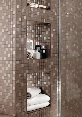 Parete rivestita di bagno classico in muratura