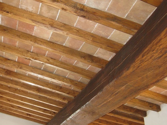 Tetto ventilato in legno perch sceglierlo blog edilnet - Costruire un portabottiglie in legno ...