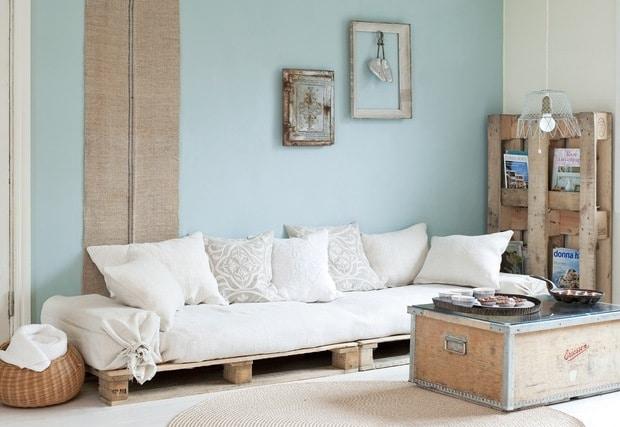 divano shabby con pallet