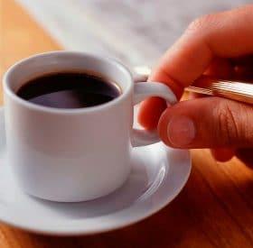 macchina automatica per la realizzazione di un caffè come al bar