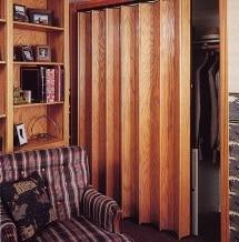Porte a soffietto in legno vantaggi e prezzi blog edilnet - Montare una porta a soffietto ...