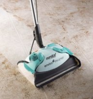 Nuovo modello di scopa a vapore per tappeti