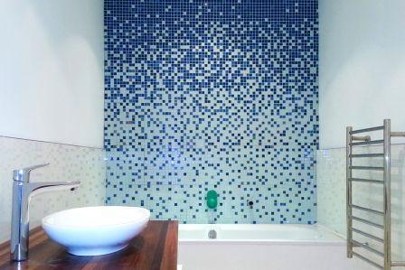 bagno parete a mosaico
