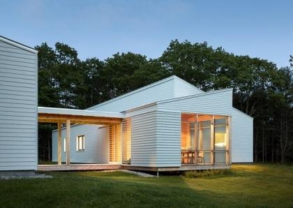 casa prefabbricata in legno bianca