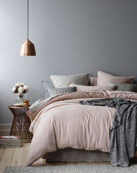 pareti grigie camera da letto
