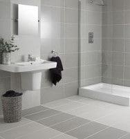 Piastrelle bagno quali scegliere blog edilnet - Piastrelle grigie bagno ...