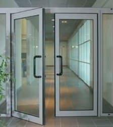 porta in alluminio bianco