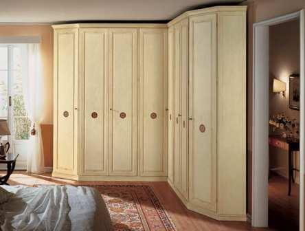 armadio angolare in camera da letto