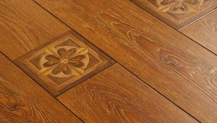 pavimento finto legno laminato