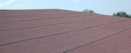 tetto impermeabilizzato con della guaina ardesiata