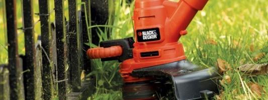 Un decespugliatore del marchio Black and Decker.