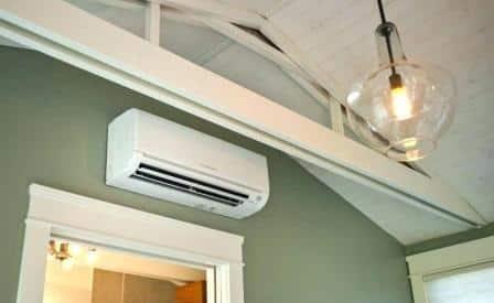 Un climatizzatore fisso.