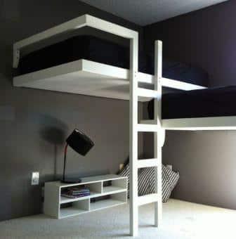 un letto a soppalco dal design moderno.