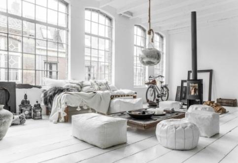 Un salotto in stile scandinavo.